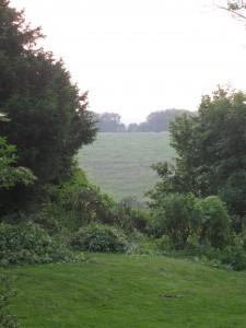 Keutenberg achterkant, tuin, zonsondergang, uitzicht achterslaapkamerraam juni 2012 004